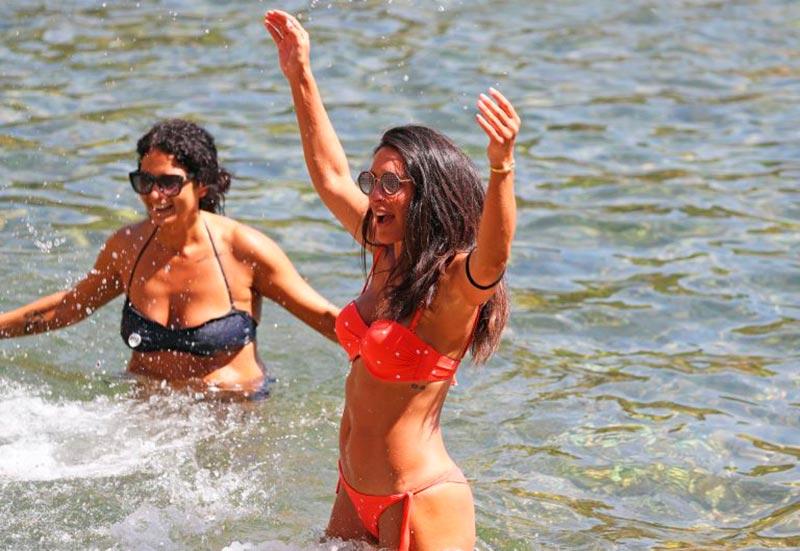 Verónica Hidalgo Fotos Playa Bikini Naranja 5