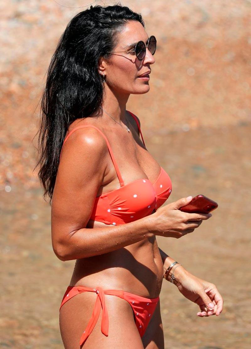 Verónica Hidalgo Fotos Playa Bikini Naranja 6