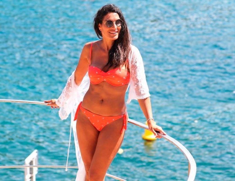 Verónica Hidalgo Fotos Playa Bikini Naranja 8