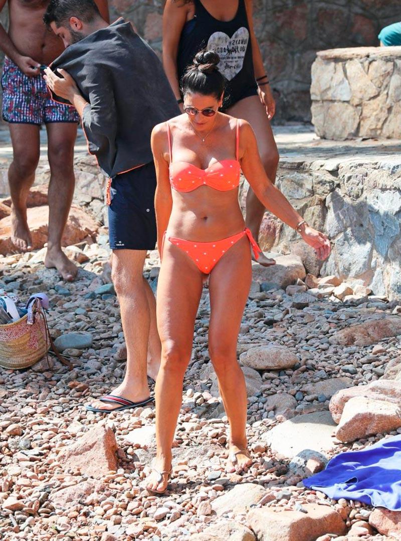 Verónica Hidalgo Fotos Playa Bikini Naranja