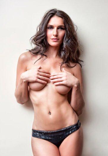 Verónica Hidalgo Topless Semidesnuda Revista Primera Línea 2