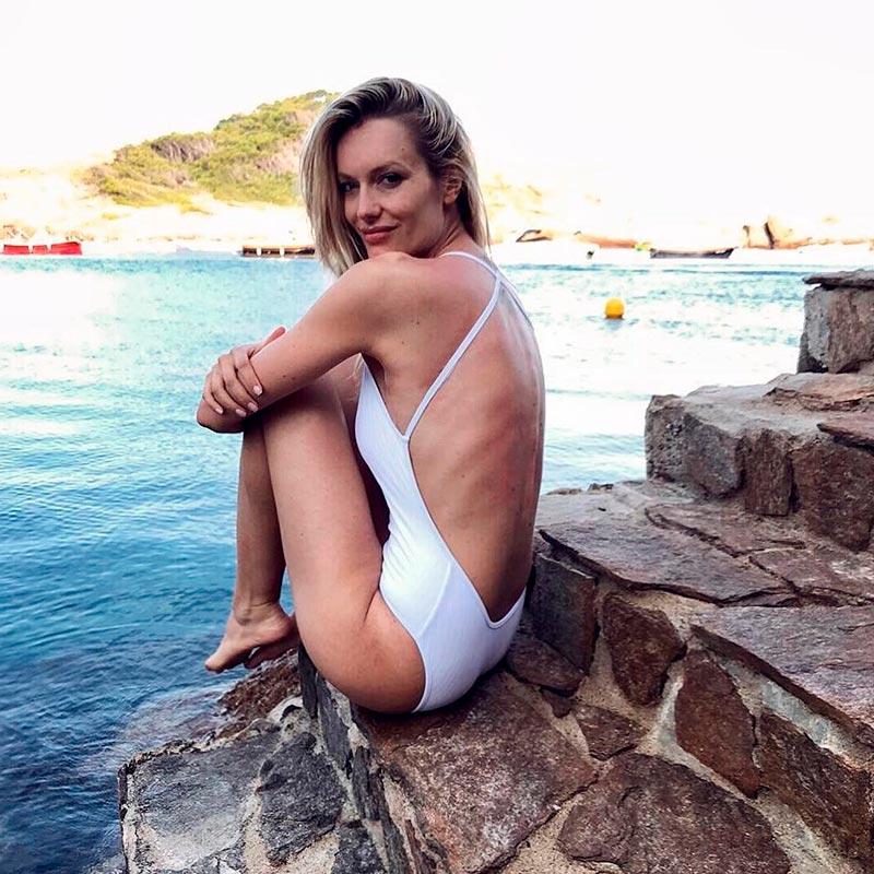 Renata Zanchi Bañador Sexy Espalda
