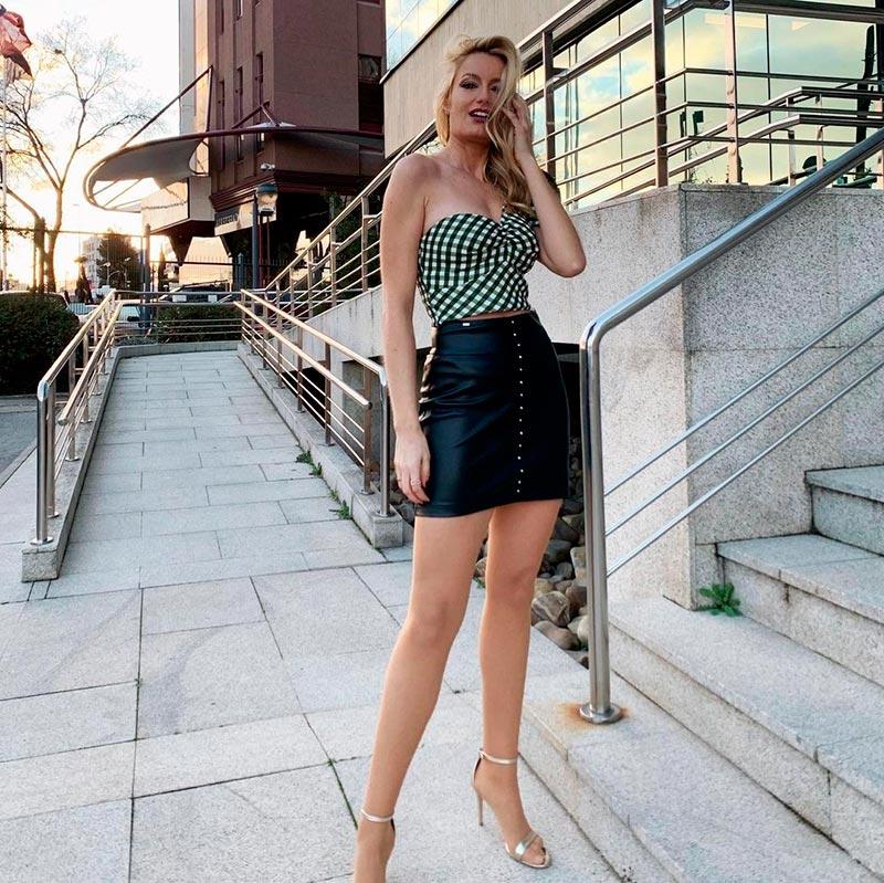 Renata Zanchi Modelito Minifalda Tacones