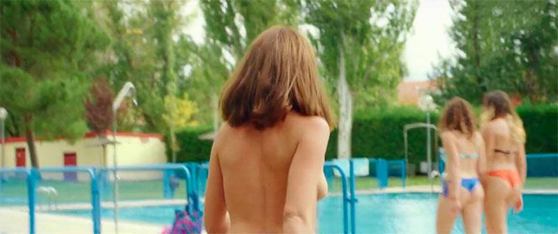 Susana Abaitua Topless Piscina Corto Ferrotipos