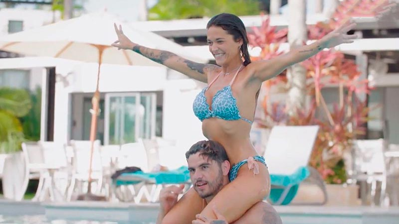 Fiama Fotos Bikini Piscina Isla Tentaciones